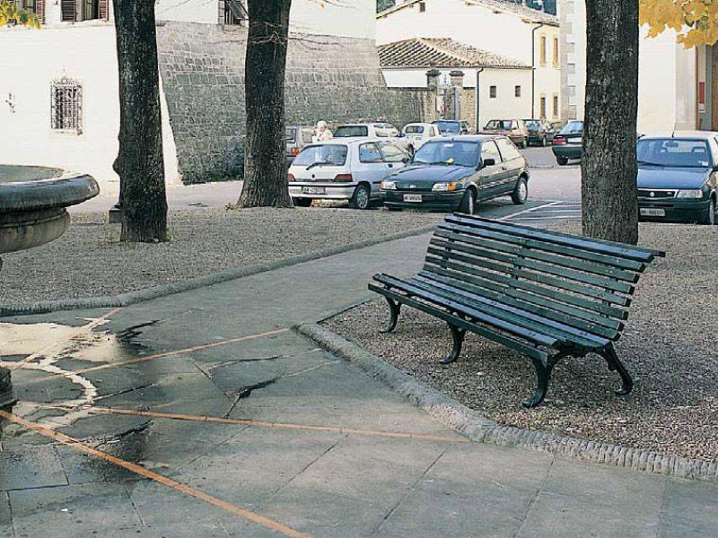 Panchina arezzo per parchi e giardini da marinelli for Marinelli arredo urbano