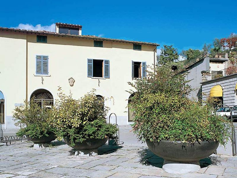 Fioriere produzione vendita ed installazione lista for Marinelli arredo urbano