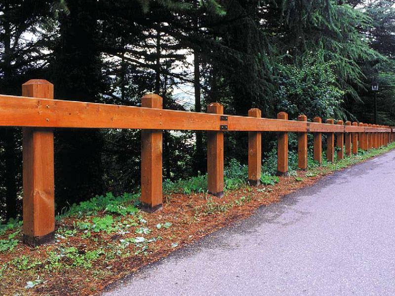 Recinzioni e staccionate produzione vendita ed installazione lista prodotti - Palizzate in legno per giardino ...