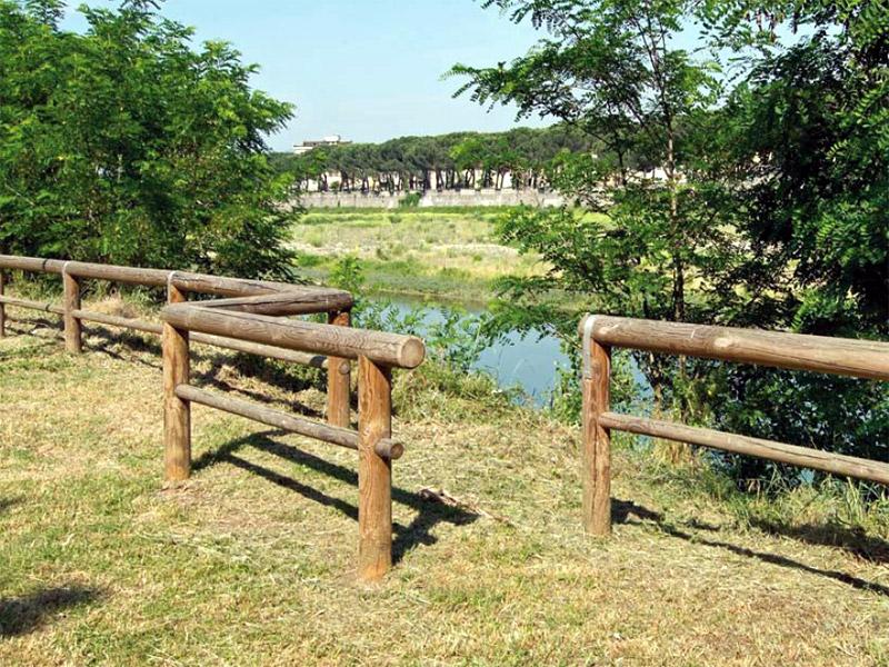 Staccionata tirolo per parchi e giardini da - Staccionate in legno per giardini ...